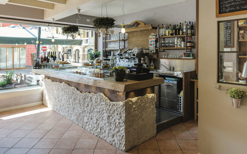 Arredamento bar shabby chic kh23 pineglen for Arredare pizzeria